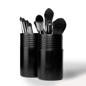 Cozzette Brush Vessel Black