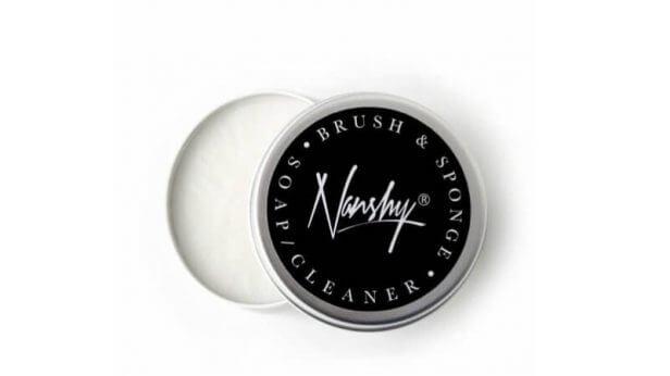 NeueBeauteCo-Nanshy-BrushCleaner-616x346